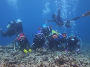 久米島の水中集合写真